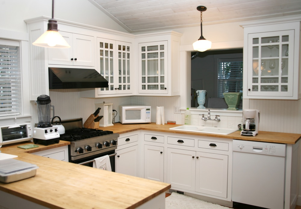 Custom Glass Cabinet Doors To Complement Your Kitchen Style